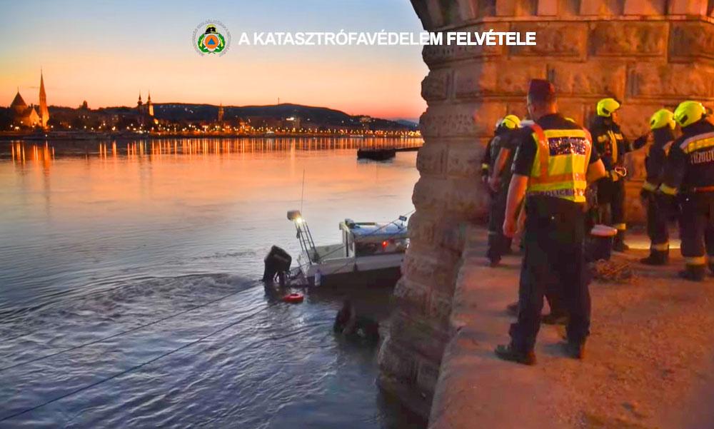 Kimentettek egy embert a Dunából, a férfit kötéllel húzták ki a vízből a Lánchíd közelében