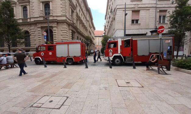 Hatalmas káosz: Luxusszálloda gyulladt ki Budapesten, tele a környék tűzoltókkal