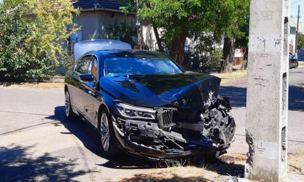Fradi meccsre indult, totálkárosra tört a BMW-je, a vétkes sofőr szédelgett az ütközéstől