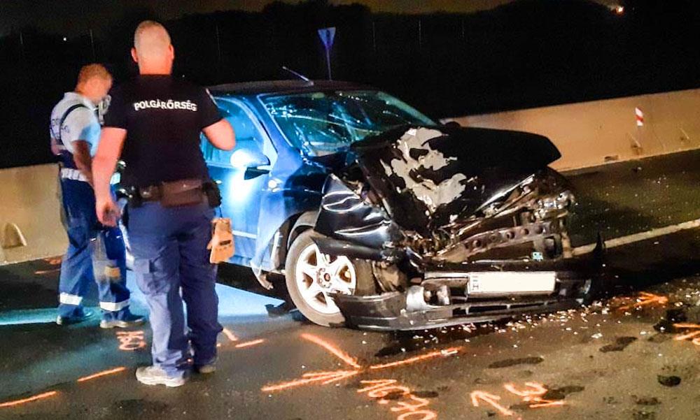 Kísérteties baleset az éjszaka közepén, szinte a semmiből került elő egy mentálisan beteg férfi és belehajtott a hazafelé utazó család autójába