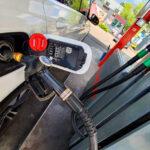 Nincs megállás, tovább emelkedik a benzinár, szerdán átlépi az 500 forintos lélektani határt
