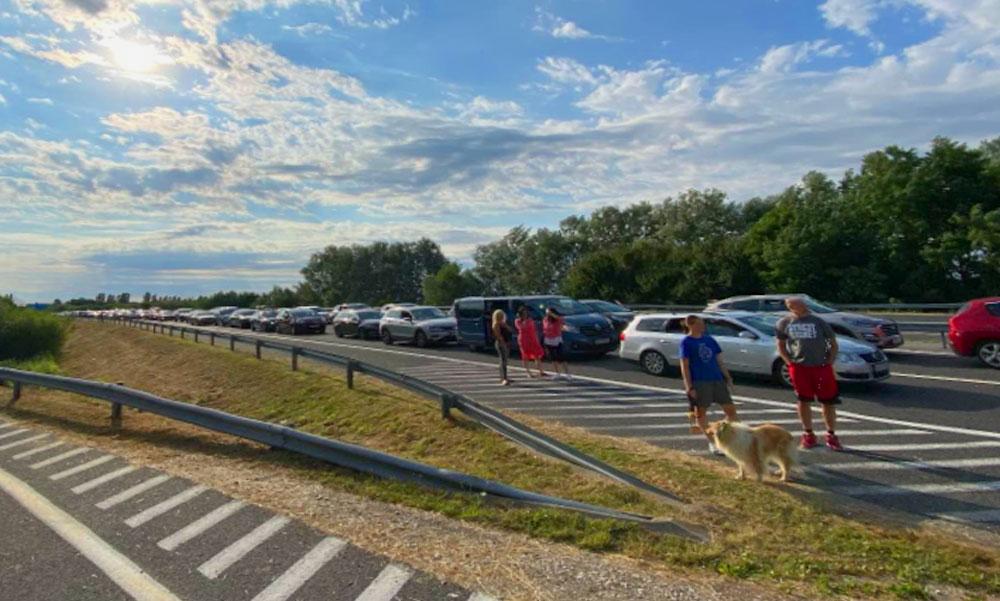 Ha most indulsz Horvátországba rossz hírünk van, végeláthatatlan az autósor a határon, de van egy megoldás