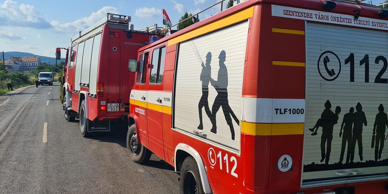 Halálos motorbaleset Szentendrén, egy 42 éves férfi halt meg, miután kisbusszal ütközött