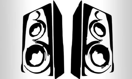 Hordozható hangszórók vezeték nélküli kapcsolattal