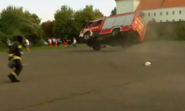 """""""A baleset pillanatait soha nem fogom elfelejteni"""" – megtörte a csendet a Vácon felborult tűzoltóautó sofőrje"""