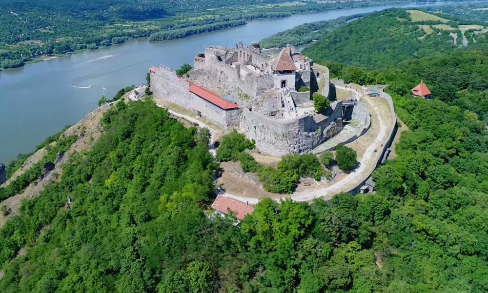 Nem sajnálják a pénzt a Visegrádi vár felújítására, milliárdokat építenek az ősi falakba
