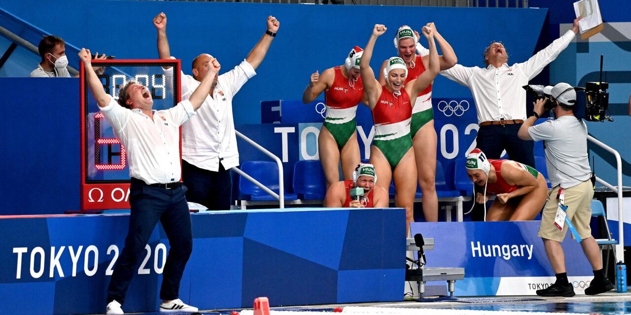 Évtizedes átkot törtek meg: három elbukott olimpia után, végre érmet szerzett a magyar női vízilabda-válogatott – Így örültek a bronznak – Fotók