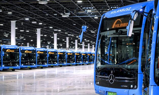 Megjöttek a halkan suhanó elektromos buszok az agglomerációba, közben bejelentették, elképesztően sok pénzt: 6 ezer milliárd forintot költenek vasútfejlesztésre