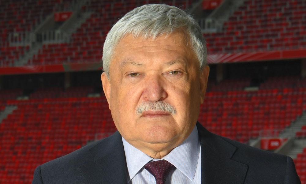 A politikusoknak üzent az OTP milliárdos vezére, Csányi Sándor megígérte személyesen hívja meg Karácsony Gergelyt focimeccsre