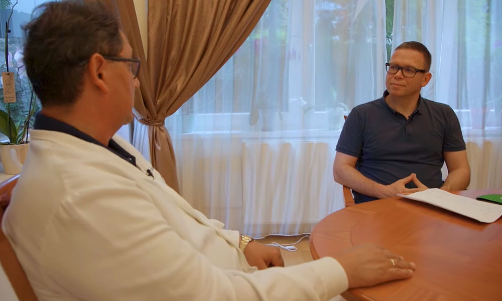 Fürjes Balázs interjút készített Merkely Bélával, aki azonnal el is mondta az államtitkárnak, hogy kiknek nem ajánlja a 3. oltást