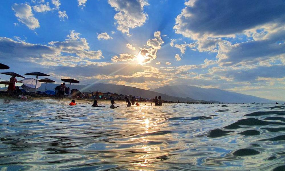 Rossz hír a Horvátországban nyaralóknak, nyakunkon a negyedik hullám, sorra mondják le a nyaralásokat