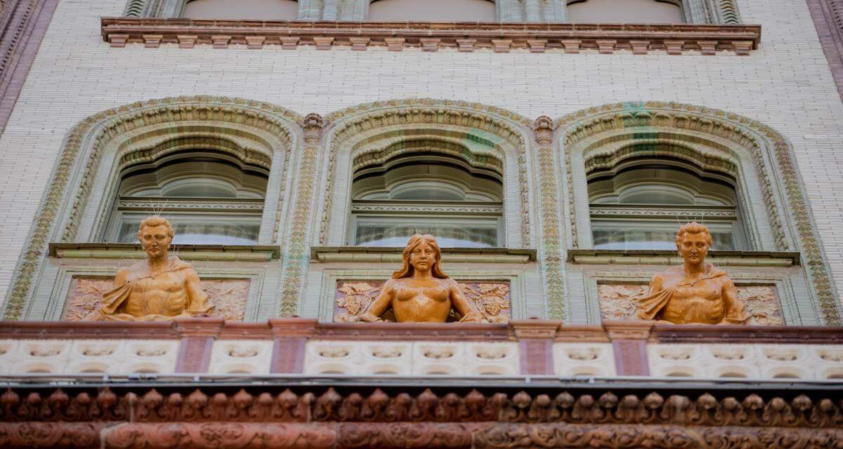 Luxus séták Budapesten, jazz a Dunán, operagála Gödöllőn, filmes kiállítás – jó programok vasárnapra