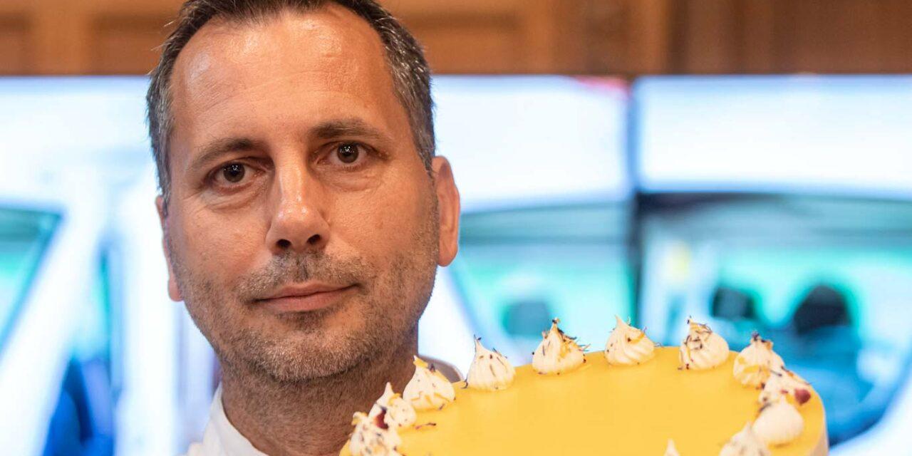 Budapesti cukrászda készítette el Magyarország idei tortáját, mutatjuk a Napraforgót
