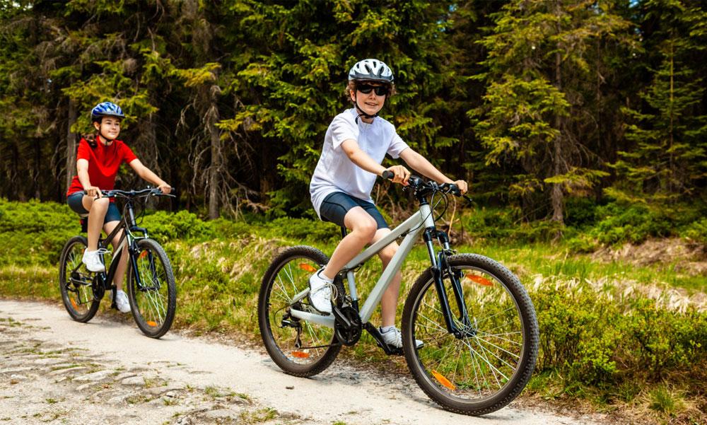 Hurrá gyerekek, gyerünk biciklizni! Mit nem szabad elfelejteni?