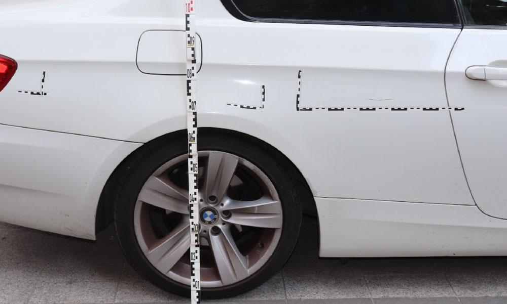 A rendőrök is meglepődtek, amikor meglátták azt a tettest, aki 22 autót karcolt végig a Belvárosban