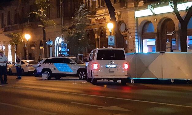 Halálos gázolás az Andrássy úton, az Eucharisztikus Kongresszus kisbusza elütött egy 30 éves férfit – Fotók