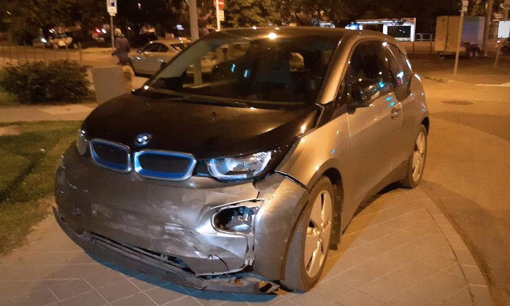 Újszülött unokájához sietett a BMW-s asszony, amikor a semmiből hirtelen feltűnt egy autó