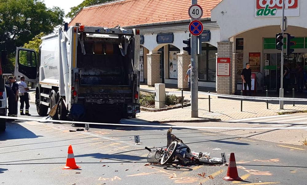 Kettévágta a biciklis testét a kukásautó hátsó kereke, a férfi szörnyethalt, Budakeszi polgármestere azonnali vizsgálatot indít