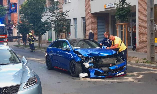 Vidéki család karambolozott Budapesten, a balesetet szenvedett kisgyereknek a környéken élők segítettek