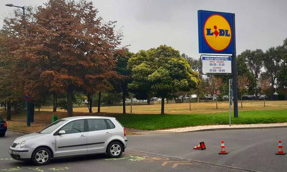 """Dráma a Lidl parkolónál: """"Óriási fájdalmai voltak a fiamnak"""" – mondta a gyermekét mentő édesapa"""