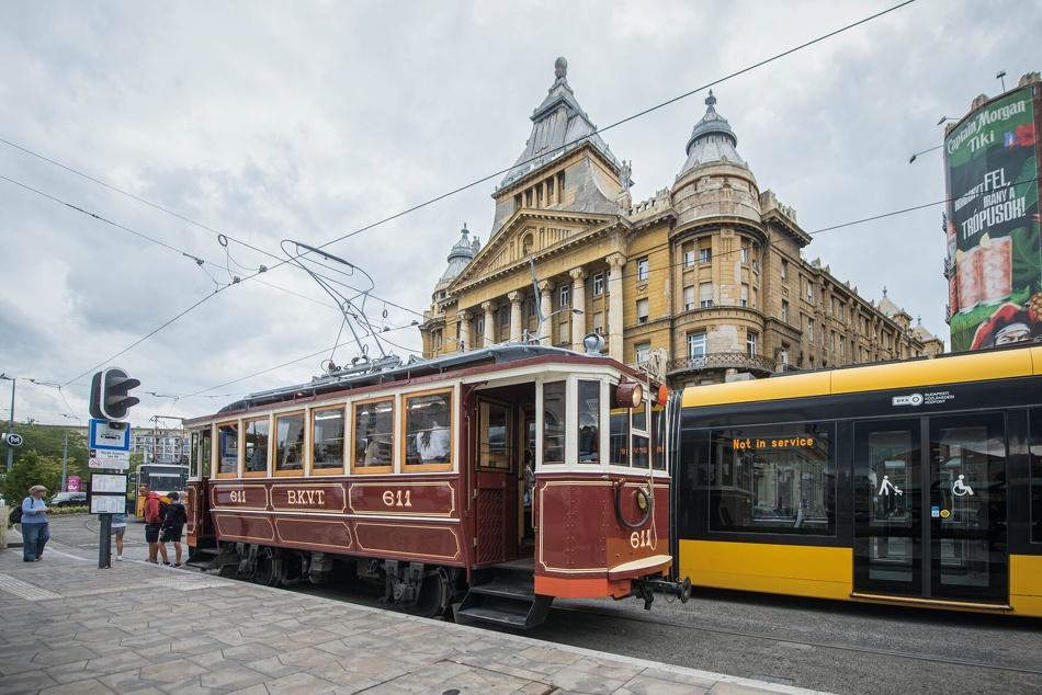 Igazi időutazás: Indulnak nosztalgiavillamosok a Duna-parti vonalon