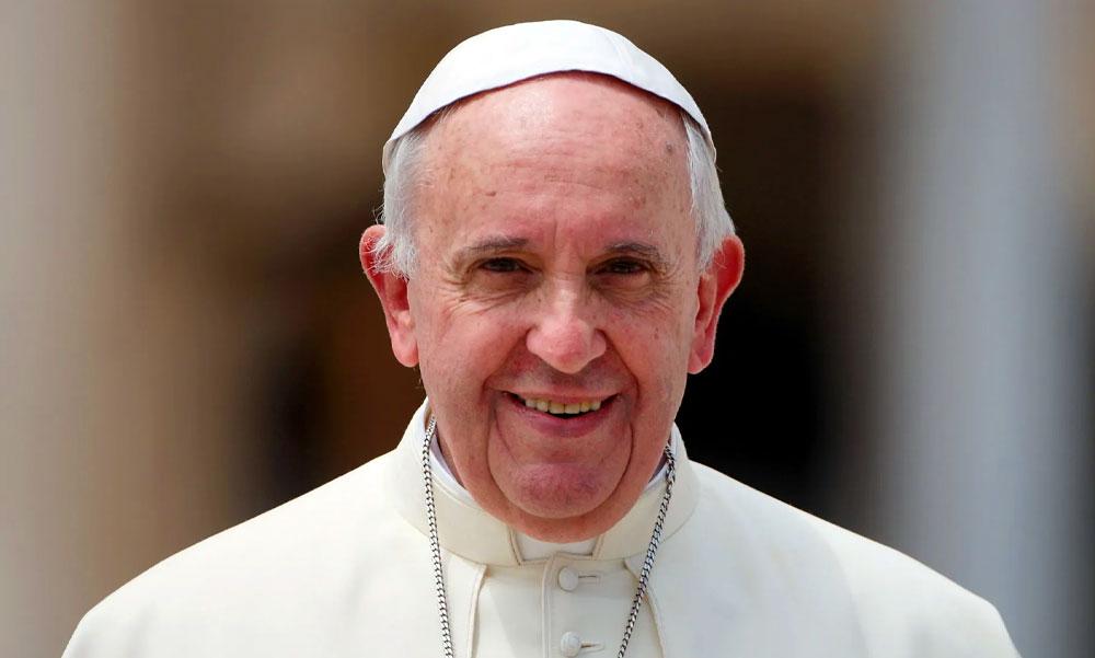 Kiszaladt egy pizzáért a sarki árushoz a Vatikánból, aztán pápának választották – Helló Budapest, megérkezett Ferenc pápa!