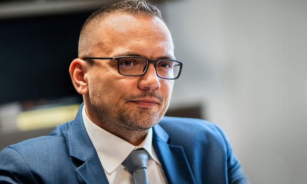 Két éve legyőzte a Fidesz kiskirályát, most az alpolgármestere feleségétől kapott ki a szigetszentmiklósi városvezető – mi állhat Nagy János bukása hátterében? Utánajártunk