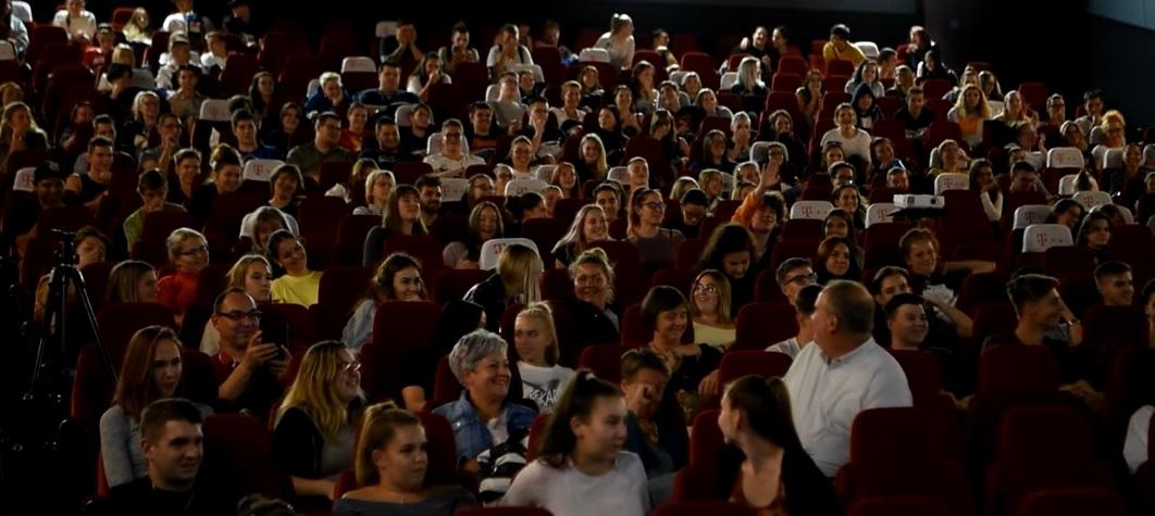 A Szabó Győző életéről szóló filmmel kampányol a rendőrség a fiatalok droghasználata ellen – Középiskolásoknak mutatták be a Toxikomát, ez történt a vetítés után