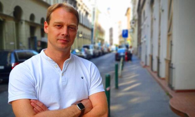 """""""Nekünk a budapestiek az elsők"""" – mondja Faix Csaba a Budapest Brand Zrt. vezérigazgatója, aki még azt is elárulta, mennyibe fog idén kerülni a forraltbor a karácsonyi vásárban"""