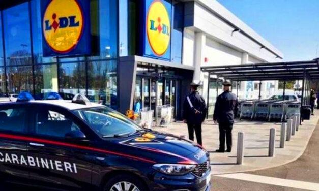 A gyilkosság előtt pénzért könyörgött az a budapesti nő, aki megölte, majd egy olaszországi Lidl áruházba vitte a halott kétéves kisfiát