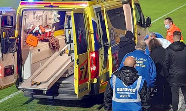 Rohammentő a focipályán, meccs közben esett össze egy magyar labdarúgó