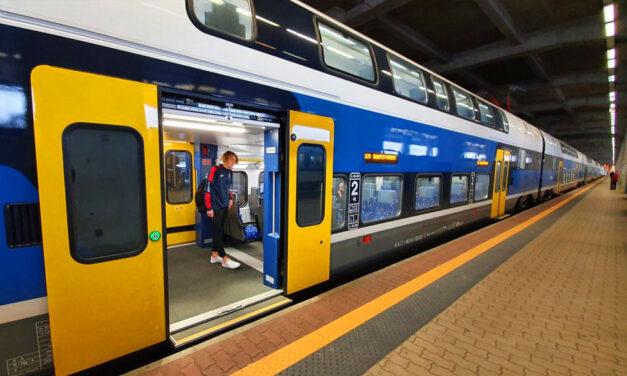 Újabb emeletes vonatot indított a MÁV: a váci vonalon így már 10 emeletes KISS motorvonat közlekedik