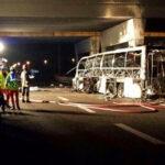 """""""Egyszer sem nézett a szemünkbe"""" – a veronai buszbalesetben 18 ember halt meg, a sofőr túlélte, de kerüli a hozzátartozókat, ma folytatódik a per"""